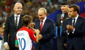 Putin'den Dünya Kupasına katılan taraftarlara büyük jest!