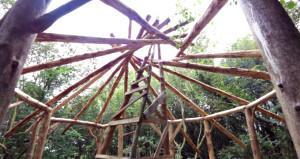 Kredi ödemekten bunalan adam hayalindeki evi yaptı! Son hali inanılmaz