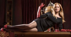 Behzat Çnin savcı Esrası, doğum sonrası bikinili görüntülendi