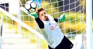 Beşiktaş yönetimi, Fabriye gelen teklifi tartışıyor