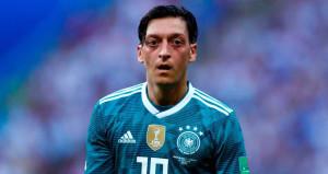 Kerem Demirbaydan Mesut Özile destek!