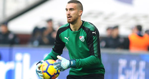 Beşiktaşta Fabri gidiyor, Harun geliyor