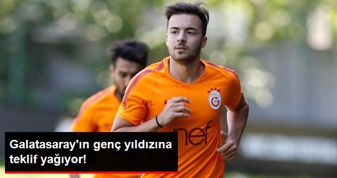 Galatasaray ın genç yıldızına teklif yağıyor!