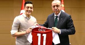 Türkiyeden Alman Milli Takımını bırakan Mesut Özile büyük destek!