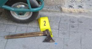 İstanbul'un göbeğinde baltalı silahlı kavga