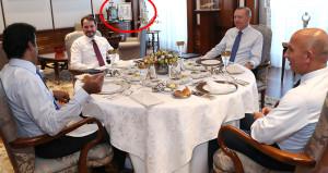 15 milyar dolarlık yatırımın konuşulduğu odada dikkat çeken detay!