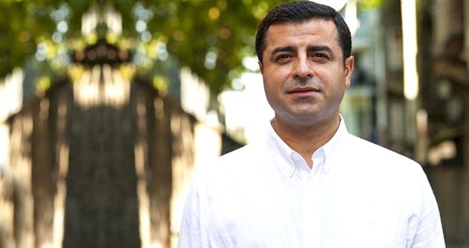 İki yıldır cezaevinde olan Demirtaş'ın yeni fotoğrafı paylaşıldı