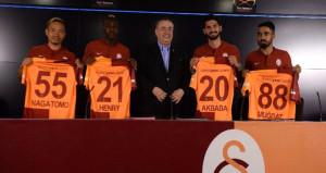 Galatasaraydan imza şov!