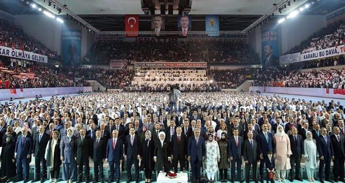İşte AK Parti'nin yeni MKYK'sında liste dışı kalan isimler!