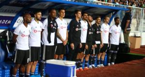Beşiktaşın yıldızı oyuna devam edemedi