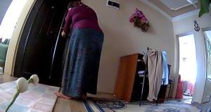 Evine giren hırsızı bulmak için görüntüleri izleyince ağzı açık kaldı!