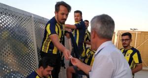 Malatyada binlerce Fenerbahçe taraftarına kayısı ikram edildi