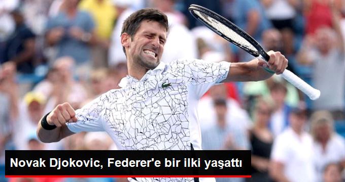 Novak Djokovic, Federer e bir ilki yaşattı