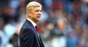 22 yıl Arsenalı yöneten Arsene Wenger maçlara korumayla çıkıyormuş