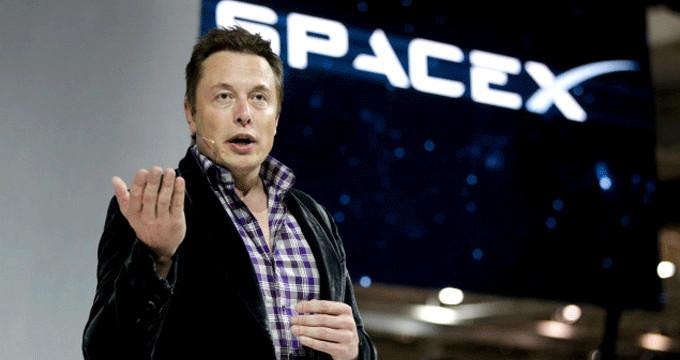 Elon Musk'ın uzaya göndereceği ilk turist belli oldu!