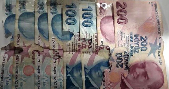 Emekli kadın, biriktirdiği parayı bu halde bulunca bankaya koştu