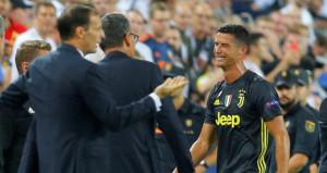 Kırmızı kart gören Ronaldo, hüngür hüngür ağladı