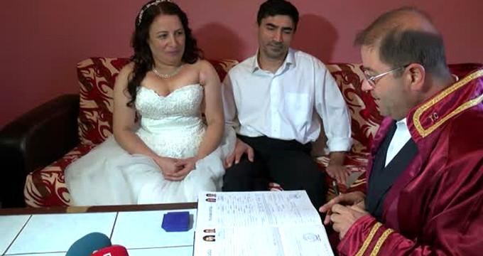 MS hastalığı yüzünden boşanan çift, 22 yıl sonra tekrar nikah kıydı