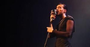 Ünlü şarkıcıdan hayranlarına uyarı: Kandırılmaya çalışılıyorsunuz!