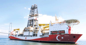 Bakandan Akdeniz uyarısı! Fatih gemisi için tarih verdi