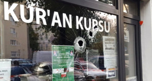PKK yandaşları, Almanya'daki Türk Eğitim Derneğine saldırdı