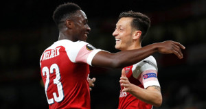 Mesut Özilli Arsenal, Vorsklayı rahat geçti