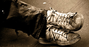 3330 liraya satılan 'fakir' ayakkabısı sosyal medyayı karıştırdı!