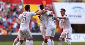 Atiker Konyaspor deplasmanda güldü