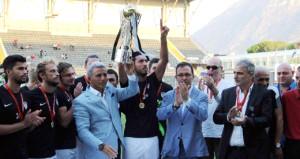 Kasap borcu tarihi kulübün kupalarına haciz getirdi