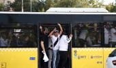 Beşiktaşlı taraftarlar 32 otobüsle Kadıköy'e doğru yola çıktı!