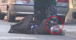 Cani gelin, sokak ortasında kaynanasını tekme tokat dövdü