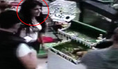 Kamerada genç kızın yaptığını gören dükkan sahibi karakola koştu