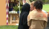 Prens Harry, Müslüman kadınla selamlaşırken ne yapacağını şaşırdı