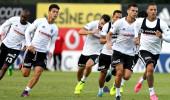 Dev derbi öncesi Beşiktaş'ta Adriano kadroya alınmadı