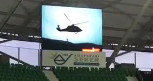 Amedspor maçında skorboardda helikopter görününce ortalık karıştı