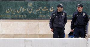 İran'ın Ankara Büyükelçiliği önünde hareketli dakikalar!