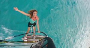 Rüzgar sörfüne Çağla Kubat damgası