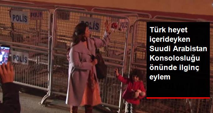 Türk heyet içerideyken Suudi Arabistan Konsolosluğu önünde ilginç eylem