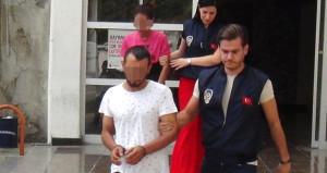 Cami önünde 50 TL karşılığında cinsel ilişkiye giren iki kişi yakalandı