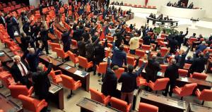 Mecliste bir ilk! CHP-MHP-HDP ve İYİ Parti aynı önergede buluştu