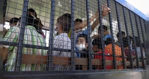Müslüman Türk çocukları ailelerinden alıp yetimhaneye yerleştiriyorlar!