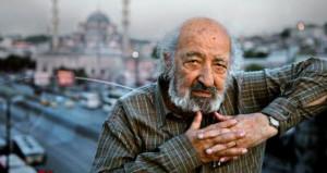 Duayen fotoğrafçı Ara Güler'in, duran kalbi tekrar çalıştırıldı