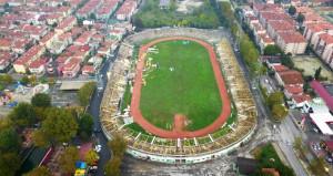 Millet Bahçesi yapılacak stadın yıkımı başladı