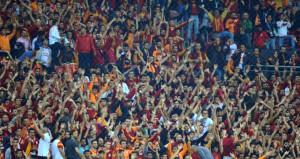 Türk Telekom Stadında Galatasaraya büyük destek