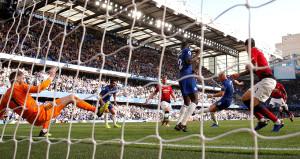 Chelsea son saniyede attı, Jose Mourinho çıldırdı