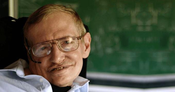 Stephen Hawking hayranlarına duyurulur: Özel eşyaları satışa çıkıyor!