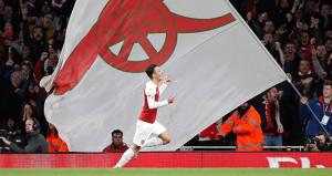 Mesut Özil mest etti, Arsenal 3ledi!