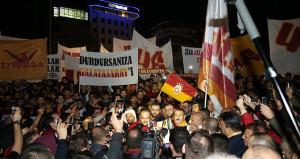 Galatasaraylı taraftarlardan TFFye protesto!