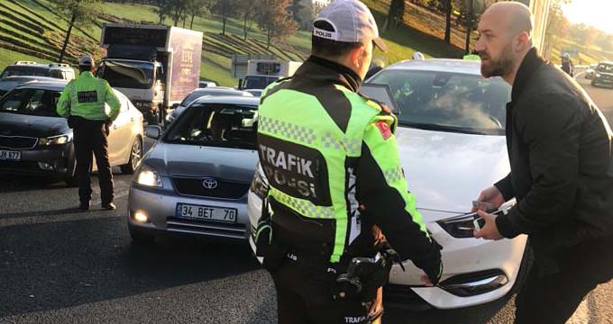 Trafikte yeni dönem! İhlal eden her sürücüye, bin lira ceza kesildi