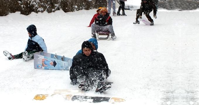 Bir ilde daha eğitime kar engeli!